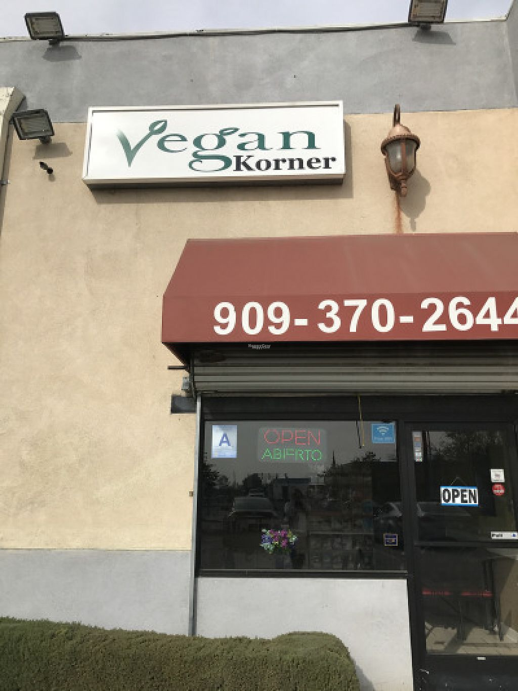 "Photo of Vegan Korner  by <a href=""/members/profile/yulie1022"">yulie1022</a> <br/>Front of the Pizza Shop <br/> November 17, 2016  - <a href='/contact/abuse/image/22520/191493'>Report</a>"