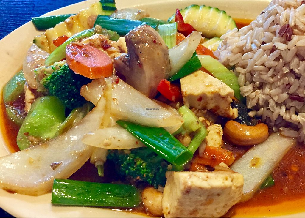"Photo of Top Thai  by <a href=""/members/profile/SFRobbie"">SFRobbie</a> <br/>cashew and mixed vegetables plate with soft tofu <br/> August 2, 2017  - <a href='/contact/abuse/image/22587/288064'>Report</a>"