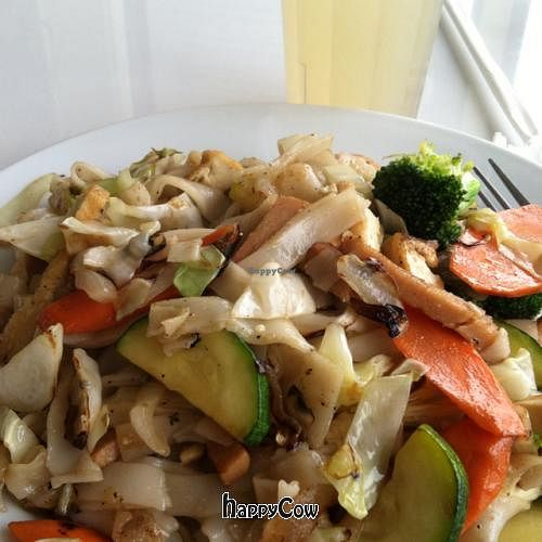 """Photo of Loving Hut - Honolulu South King St  by <a href=""""/members/profile/nardanddee"""">nardanddee</a> <br/>pad Thai <br/> November 22, 2012  - <a href='/contact/abuse/image/22933/40573'>Report</a>"""