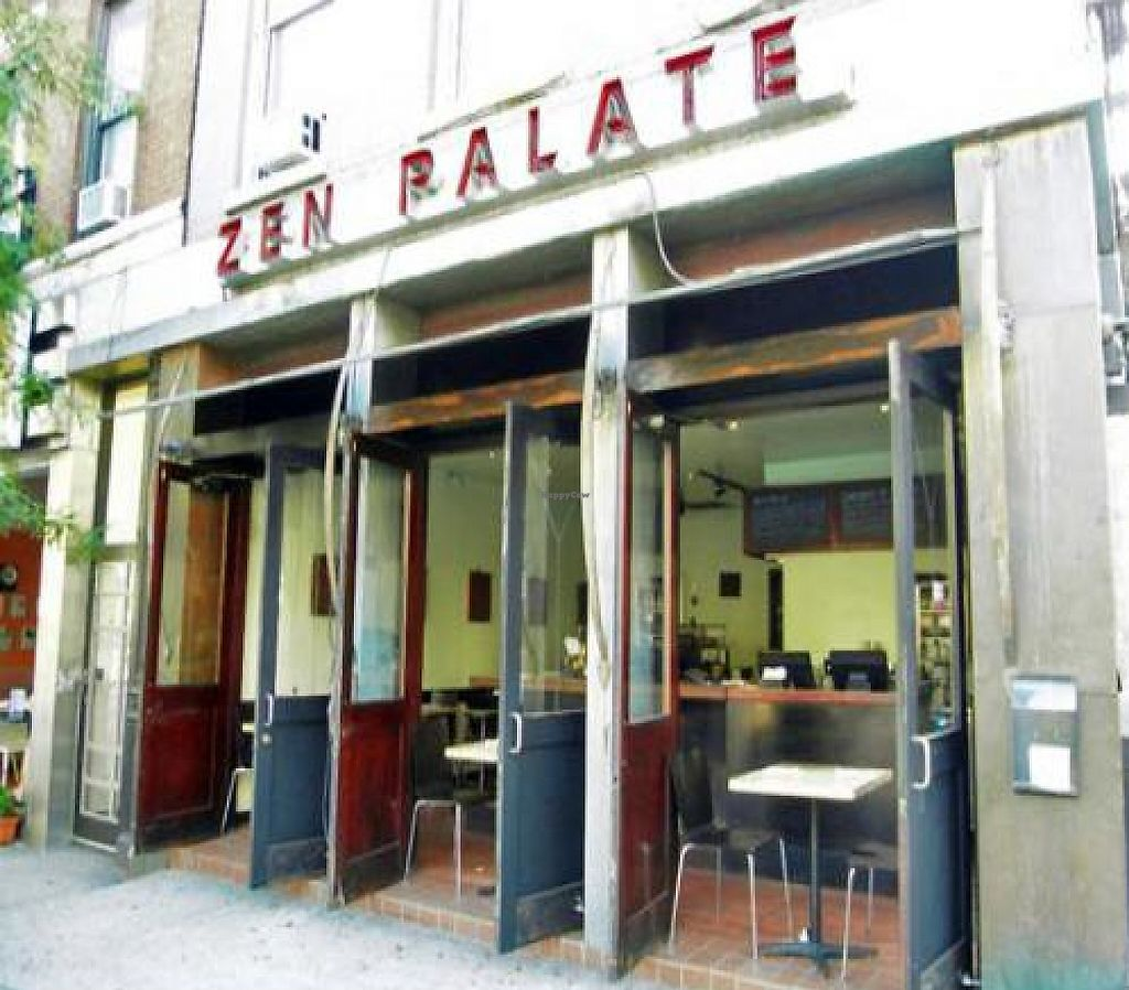 """Photo of CLOSED: Zen Palate - Theatre District  by <a href=""""/members/profile/quarrygirl"""">quarrygirl</a> <br/>Zen Palate - Theatre District by this.charming.man <br/> December 26, 2011  - <a href='/contact/abuse/image/2301/188277'>Report</a>"""