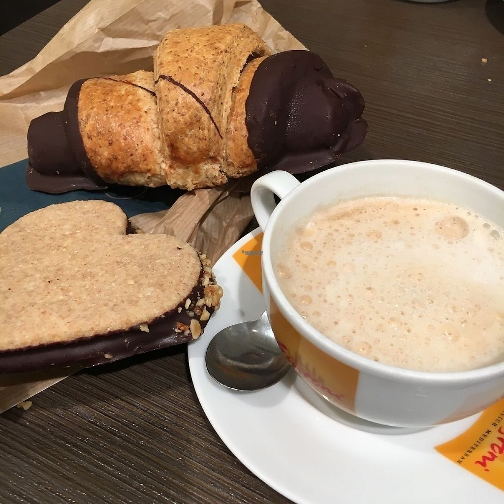 """Photo of denn's Biomarkt - Taborstr.  by <a href=""""/members/profile/Kardinal"""">Kardinal</a> <br/>Some vegans pastries and a soy milk cappuccino <br/> April 7, 2017  - <a href='/contact/abuse/image/23137/245578'>Report</a>"""