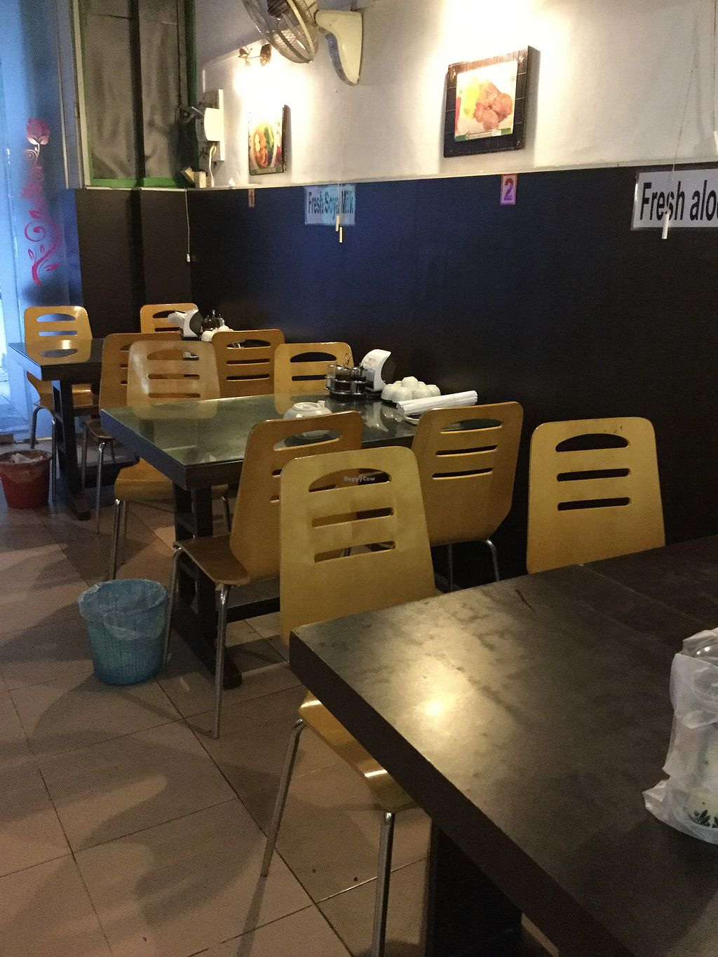 """Photo of Evergreen Vegetarian and Cafe House  by <a href=""""/members/profile/Mike%20Munsie"""">Mike Munsie</a> <br/>Internal seating <br/> September 4, 2017  - <a href='/contact/abuse/image/23190/300789'>Report</a>"""