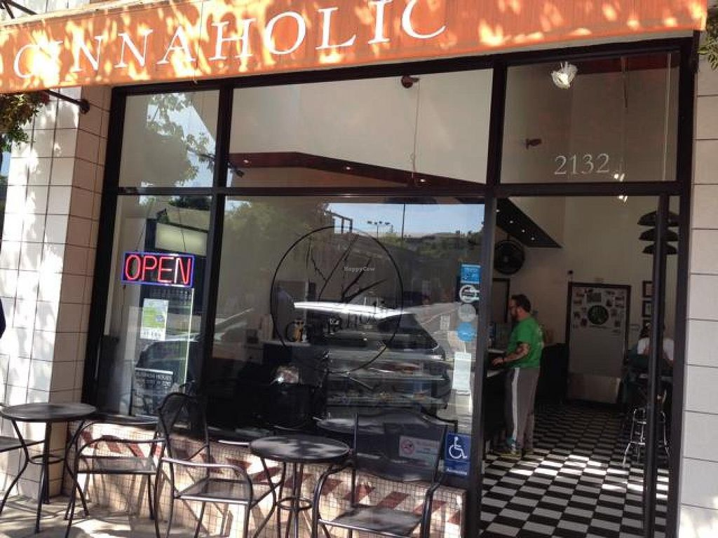 "Photo of Cinnaholic  by <a href=""/members/profile/AshleyLorden"">AshleyLorden</a> <br/>storefront <br/> April 19, 2014  - <a href='/contact/abuse/image/23203/67981'>Report</a>"