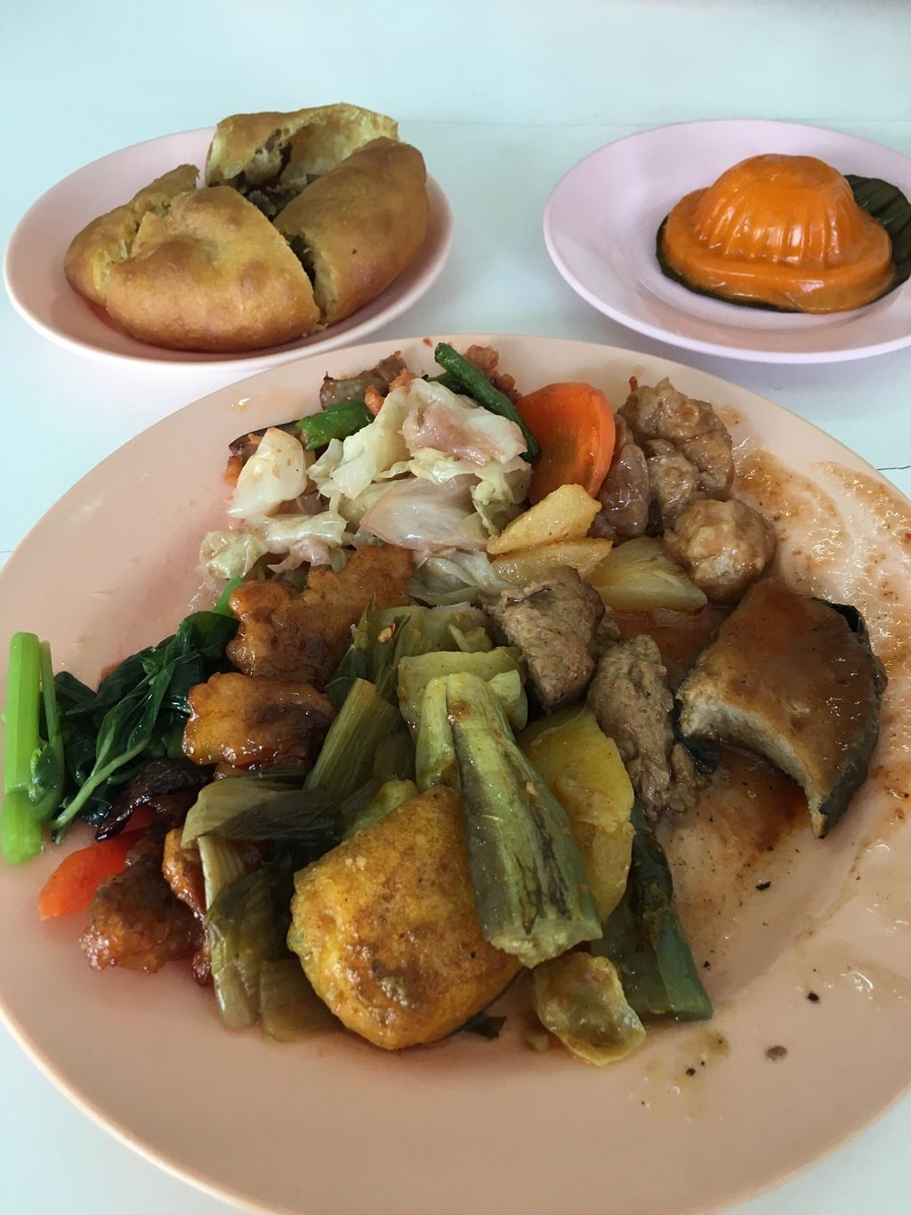 "Photo of Fung Lai  by <a href=""/members/profile/JeppoMAX"">JeppoMAX</a> <br/>Typical plate and desserts <br/> March 18, 2018  - <a href='/contact/abuse/image/23339/372230'>Report</a>"