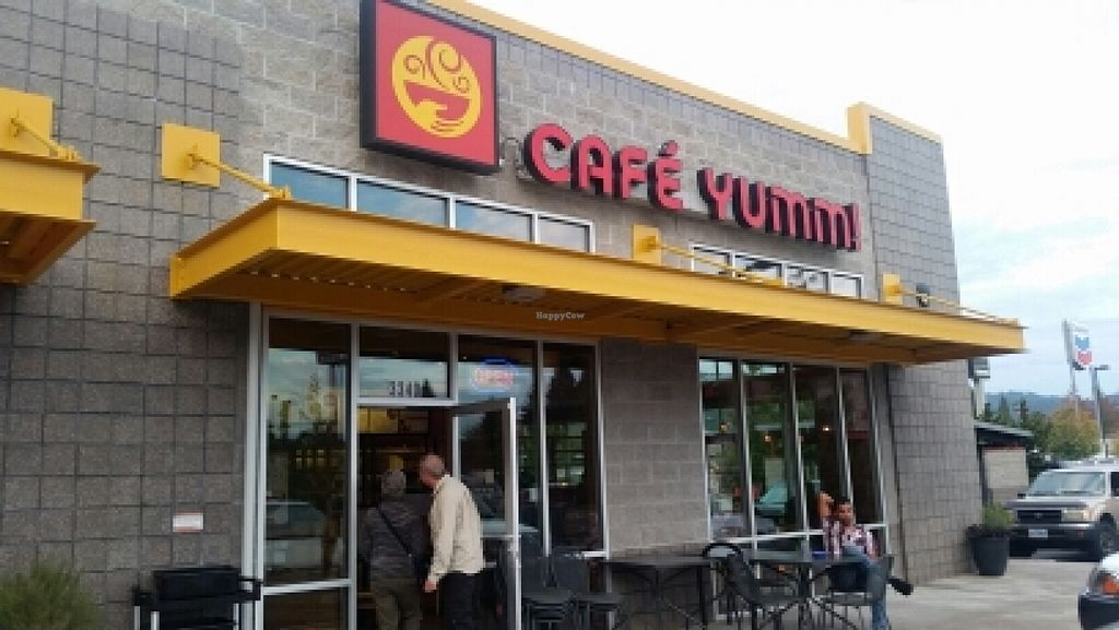 """Photo of Cafe Yumm - Gateway  by <a href=""""/members/profile/kenvegan"""">kenvegan</a> <br/>outside <br/> October 18, 2015  - <a href='/contact/abuse/image/23362/121693'>Report</a>"""