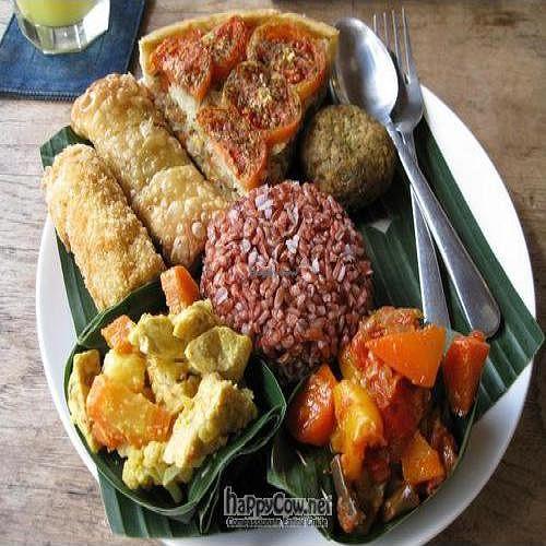 "Photo of Sopa - Jalan Sugriwa  by <a href=""/members/profile/cvxmelody"">cvxmelody</a> <br/>Nasi campur, tomato coca (vegan quiche), falafel <br/> January 30, 2011  - <a href='/contact/abuse/image/23473/7233'>Report</a>"