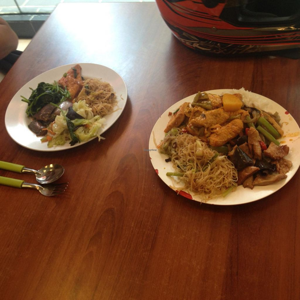 """Photo of Kwangsin Vege Corner Food Court  by <a href=""""/members/profile/AndyT"""">AndyT</a> <br/>2 portuons of mixed rice, price (for foreigners) RM 20 :-( <br/> May 14, 2015  - <a href='/contact/abuse/image/23599/102264'>Report</a>"""