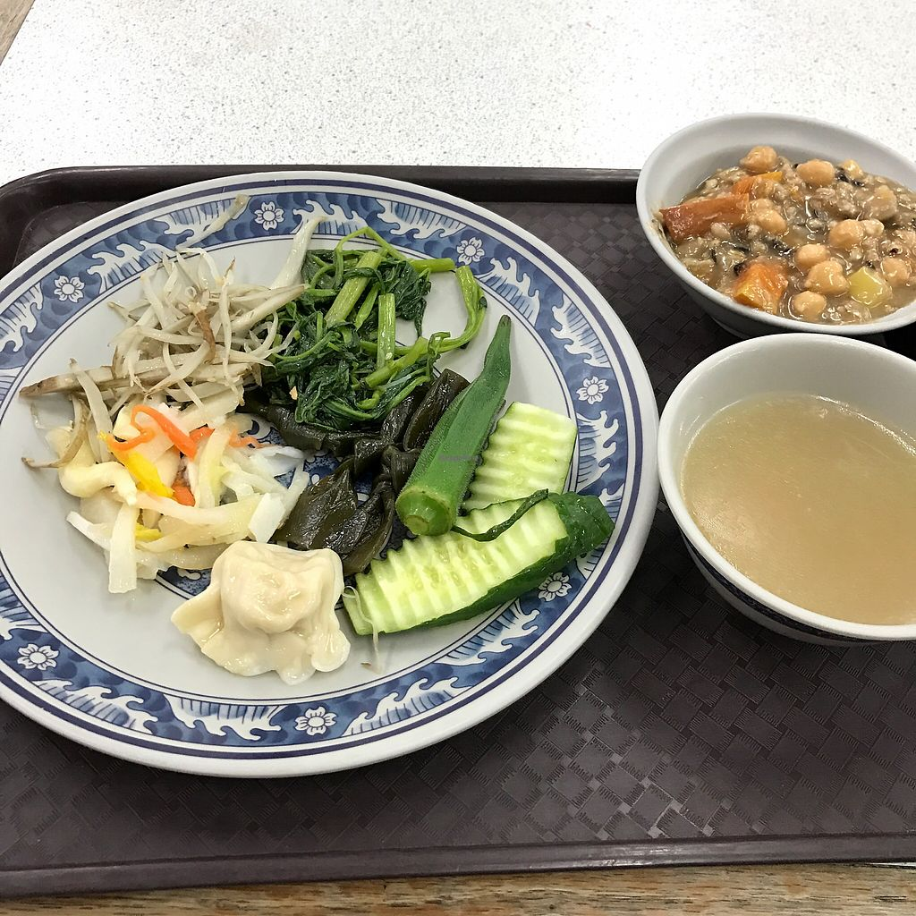 """Photo of Shang Pin Zhai  by <a href=""""/members/profile/kkylaye"""">kkylaye</a> <br/>dishes with multi-grain porridge <br/> February 27, 2018  - <a href='/contact/abuse/image/23697/364479'>Report</a>"""