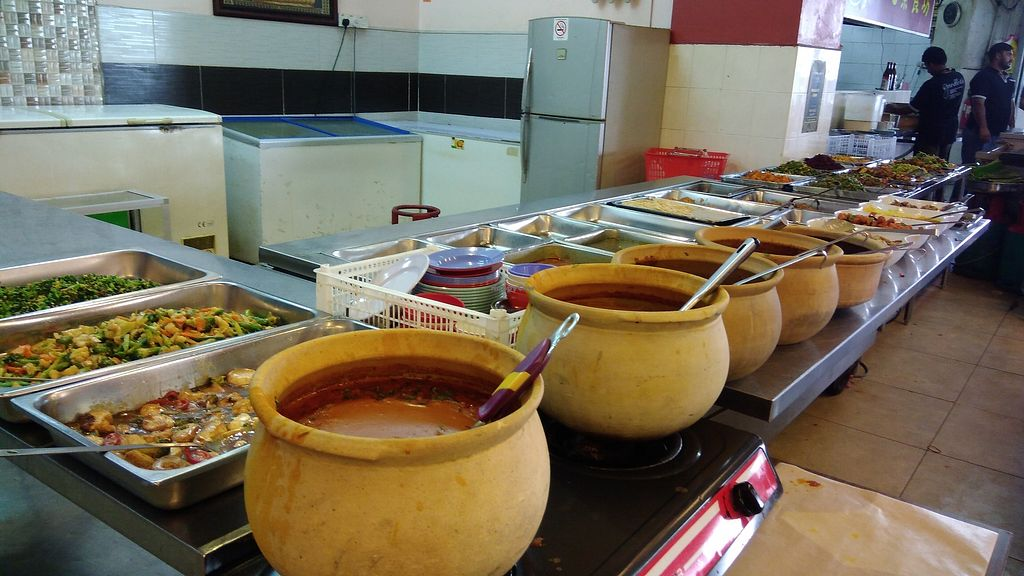 """Photo of Gandhi's Vegetarian Restaurant  by <a href=""""/members/profile/ChoyYuen"""">ChoyYuen</a> <br/>Variety of Indian dishes during lunch time <br/> April 11, 2018  - <a href='/contact/abuse/image/23773/383872'>Report</a>"""
