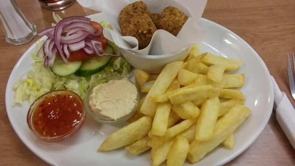 """Photo of Barnacles  by <a href=""""/members/profile/MariRoberts"""">MariRoberts</a> <br/>vegan falafel and chips <br/> April 15, 2017  - <a href='/contact/abuse/image/23788/248326'>Report</a>"""