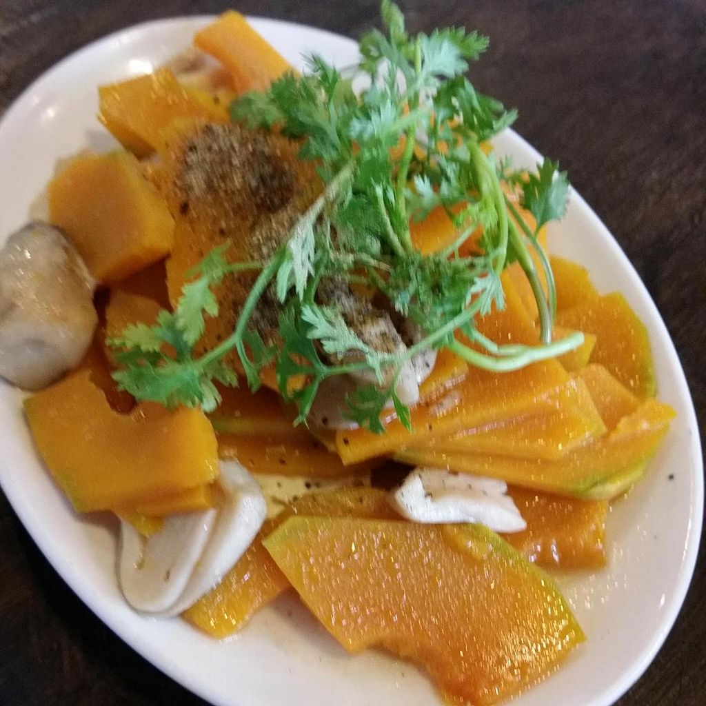 "Photo of Saigon Vegan - Vo Van Tan  by <a href=""/members/profile/Jeane"">Jeane</a> <br/>Bi đo xao nam (pumpkin sautéed with mushroom, 40.000 vnd) <br/> May 27, 2014  - <a href='/contact/abuse/image/23813/70834'>Report</a>"