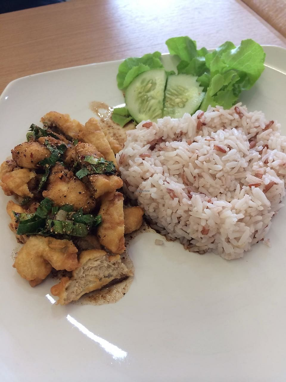 "Photo of Loving Hut - Ram-Intra 51  by <a href=""/members/profile/Wansaree"">Wansaree</a> <br/>Spicy fried tofu with rice <br/> January 24, 2014  - <a href='/contact/abuse/image/23892/268575'>Report</a>"