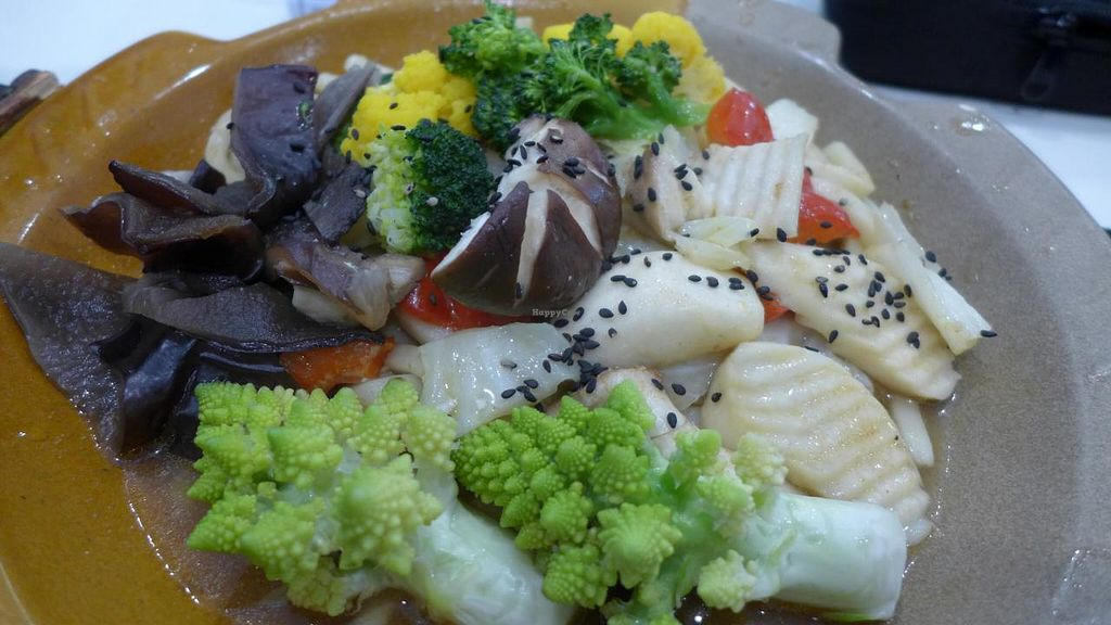 """Photo of Loving Hut - Songde Rd  by <a href=""""/members/profile/Kimxula"""">Kimxula</a> <br/>Delicious mixed vegetables! <br/> June 15, 2015  - <a href='/contact/abuse/image/24034/106018'>Report</a>"""