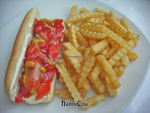 "Photo of Loving Hut - Xalapa  by <a href=""/members/profile/FatGayVegan"">FatGayVegan</a> <br/>Vegan hot dog with fries <br/> August 24, 2012  - <a href='/contact/abuse/image/24080/36946'>Report</a>"
