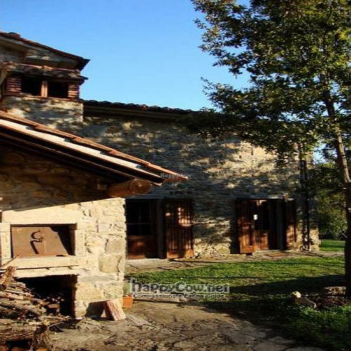 """Photo of Tenuta Savorgnano  by <a href=""""/members/profile/Jonathan%20Smith"""">Jonathan Smith</a> <br/>Tenuta Savorgnano - View including the 'Forno' - outdoor oven <br/> January 11, 2011  - <a href='/contact/abuse/image/24111/6977'>Report</a>"""