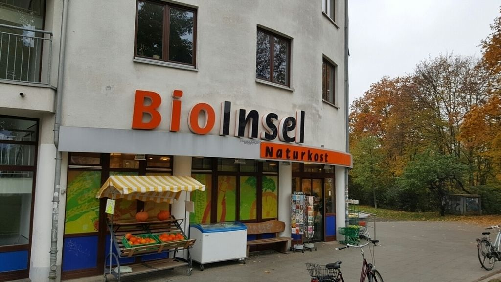 """Photo of BioInsel  by <a href=""""/members/profile/Clare"""">Clare</a> <br/>Outside <br/> October 24, 2016  - <a href='/contact/abuse/image/24250/184110'>Report</a>"""