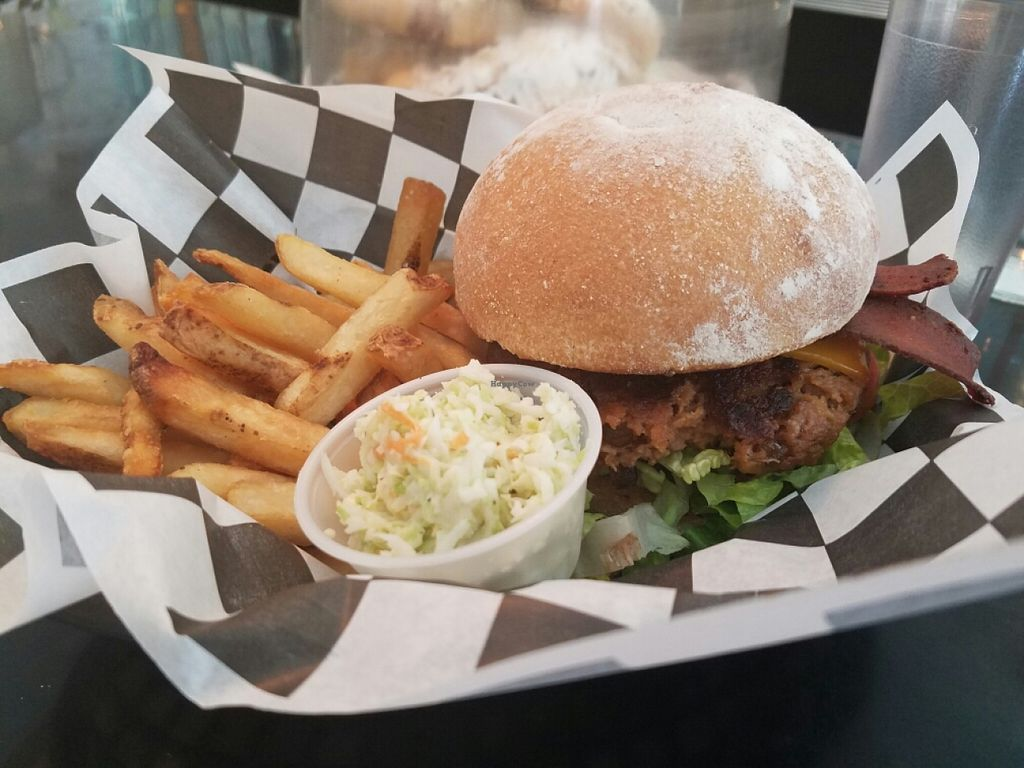"Photo of Champs Diner  by <a href=""/members/profile/kenvegan"">kenvegan</a> <br/>Bacon Cheeseburger <br/> June 25, 2016  - <a href='/contact/abuse/image/24286/156091'>Report</a>"