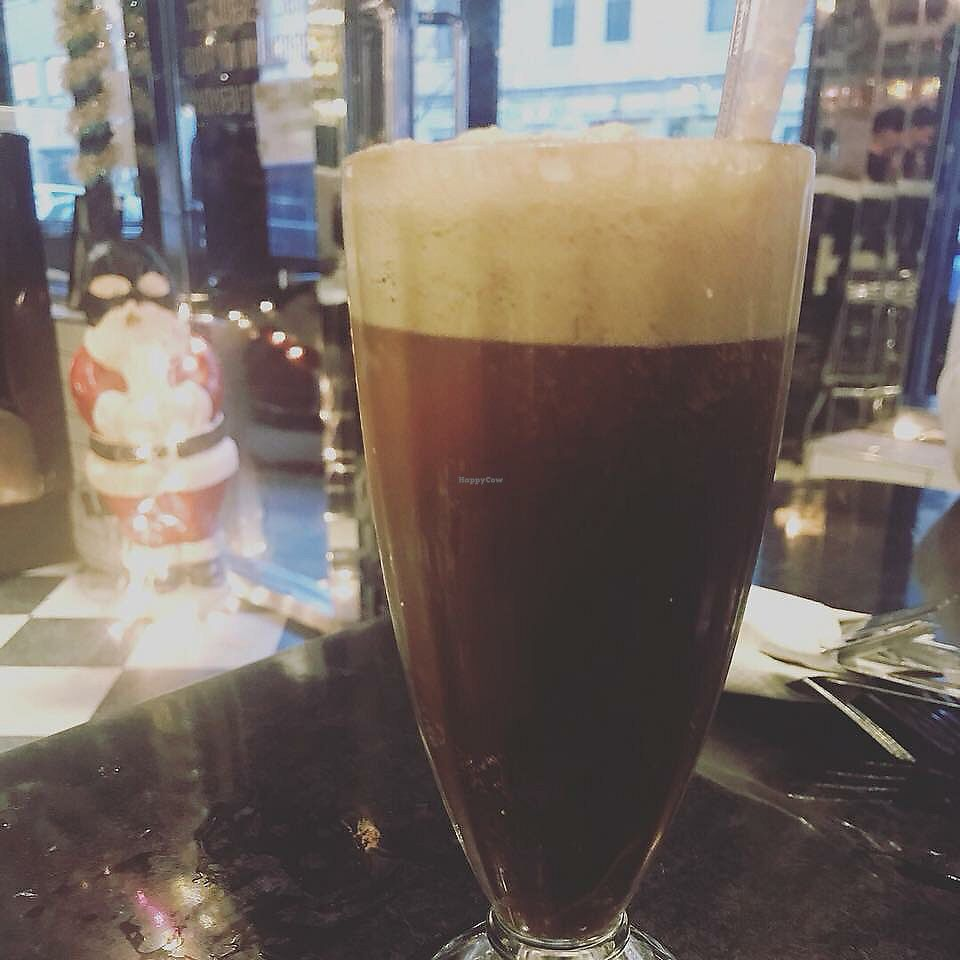 "Photo of Champs Diner  by <a href=""/members/profile/Tabgreenvegan"">Tabgreenvegan</a> <br/>Root Beer Float! <br/> March 28, 2018  - <a href='/contact/abuse/image/24286/377390'>Report</a>"