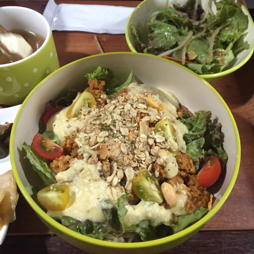 "Photo of Vegetable Kitchen Bar Aju  by <a href=""/members/profile/RebeccaSutton"">RebeccaSutton</a> <br/>open burrito bowl <br/> June 29, 2016  - <a href='/contact/abuse/image/24359/156769'>Report</a>"