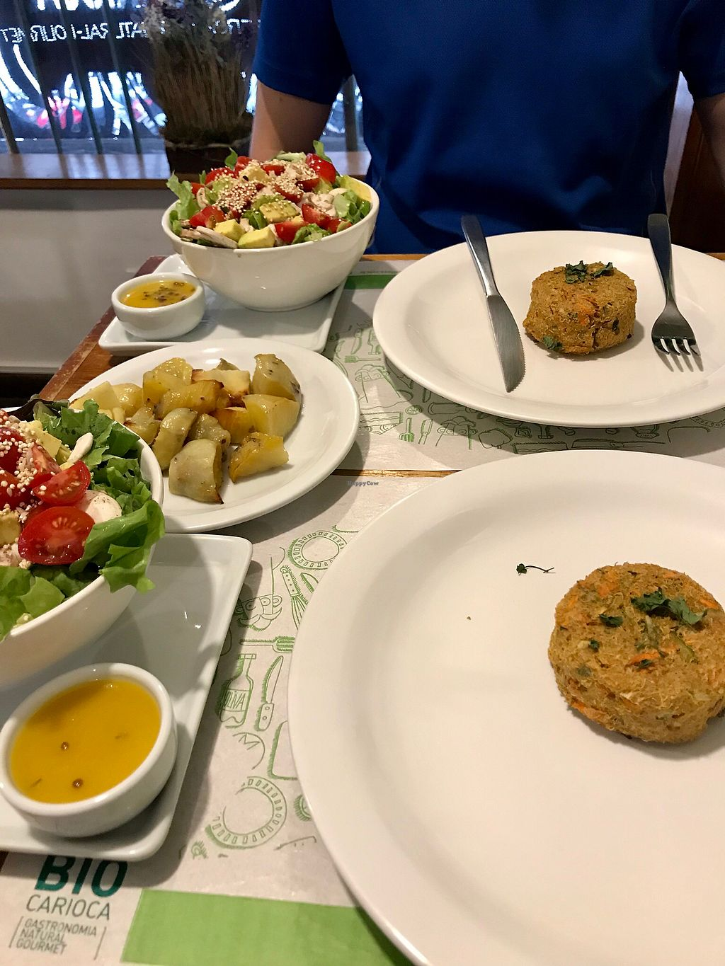 """Photo of Bio Carioca  by <a href=""""/members/profile/dazedkiwi"""">dazedkiwi</a> <br/>Monday's special: Quinoa burger with avocado salad, sweet potatoes and green juice <br/> October 16, 2017  - <a href='/contact/abuse/image/24367/315954'>Report</a>"""