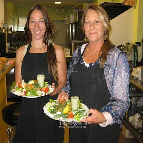 """Photo of NourishMe Cafe  by <a href=""""/members/profile/dfdf"""">dfdf</a> <br/> December 7, 2010  - <a href='/contact/abuse/image/24685/6509'>Report</a>"""