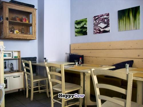 """Photo of CLOSED: Zoe Food  by <a href=""""/members/profile/SueClesh"""">SueClesh</a> <br/>interior <br/> August 4, 2013  - <a href='/contact/abuse/image/24697/52725'>Report</a>"""