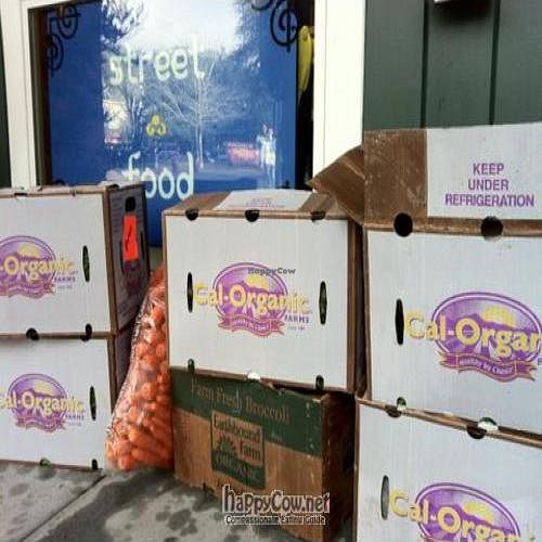 "Photo of Boo Koo  by <a href=""/members/profile/nattyn"">nattyn</a> <br/>Organic produce being delivered! <br/> December 30, 2010  - <a href='/contact/abuse/image/24957/6863'>Report</a>"