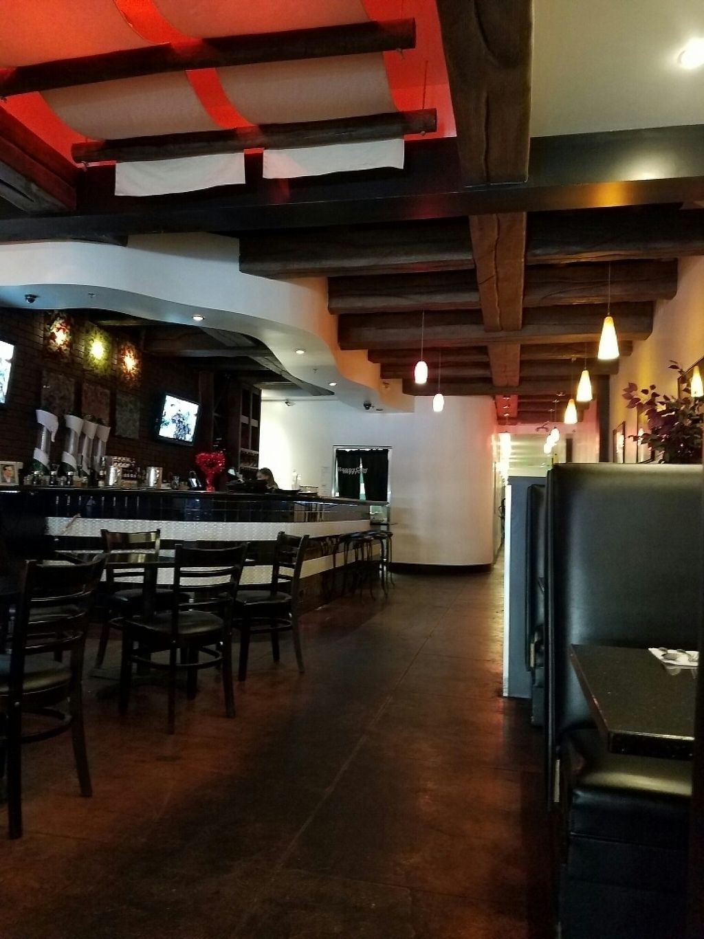 """Photo of Mint Downtown Thai  by <a href=""""/members/profile/JasmineLove"""">JasmineLove</a> <br/>really pretty inside <br/> February 1, 2017  - <a href='/contact/abuse/image/25012/220704'>Report</a>"""