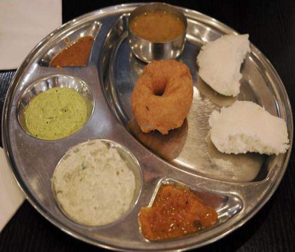 "Photo of Saravanaa Bhavan  by <a href=""/members/profile/mparvan"">mparvan</a> <br/>Food at Saravana Bhavan <br/> November 6, 2011  - <a href='/contact/abuse/image/25071/192763'>Report</a>"