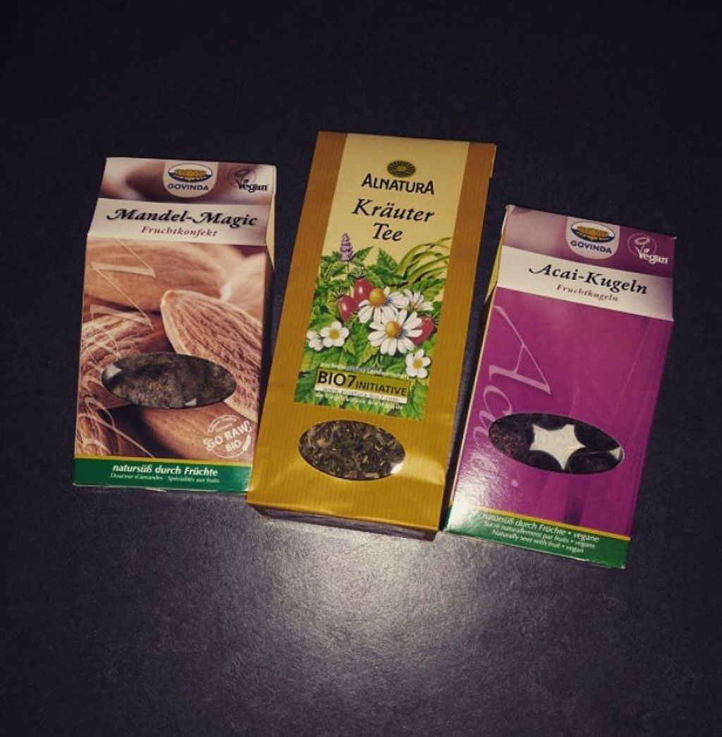 """Photo of Alnatura  by <a href=""""/members/profile/cherryblossom153"""">cherryblossom153</a> <br/>raw vegan snacks and some herbal tea <br/> August 16, 2015  - <a href='/contact/abuse/image/25301/113845'>Report</a>"""
