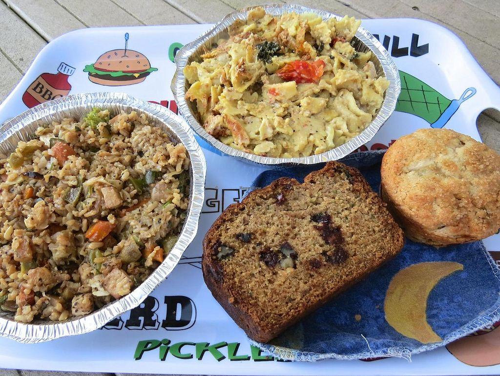 Photo of Vegpod  by RamblingVegans <br/>Veggie fried rice, mac & cashew cheese, chocolate walnut zucchini bread, and rhubarb muffin.  All vegan!  <br/> August 16, 2014  - <a href='/contact/abuse/image/25731/77154'>Report</a>