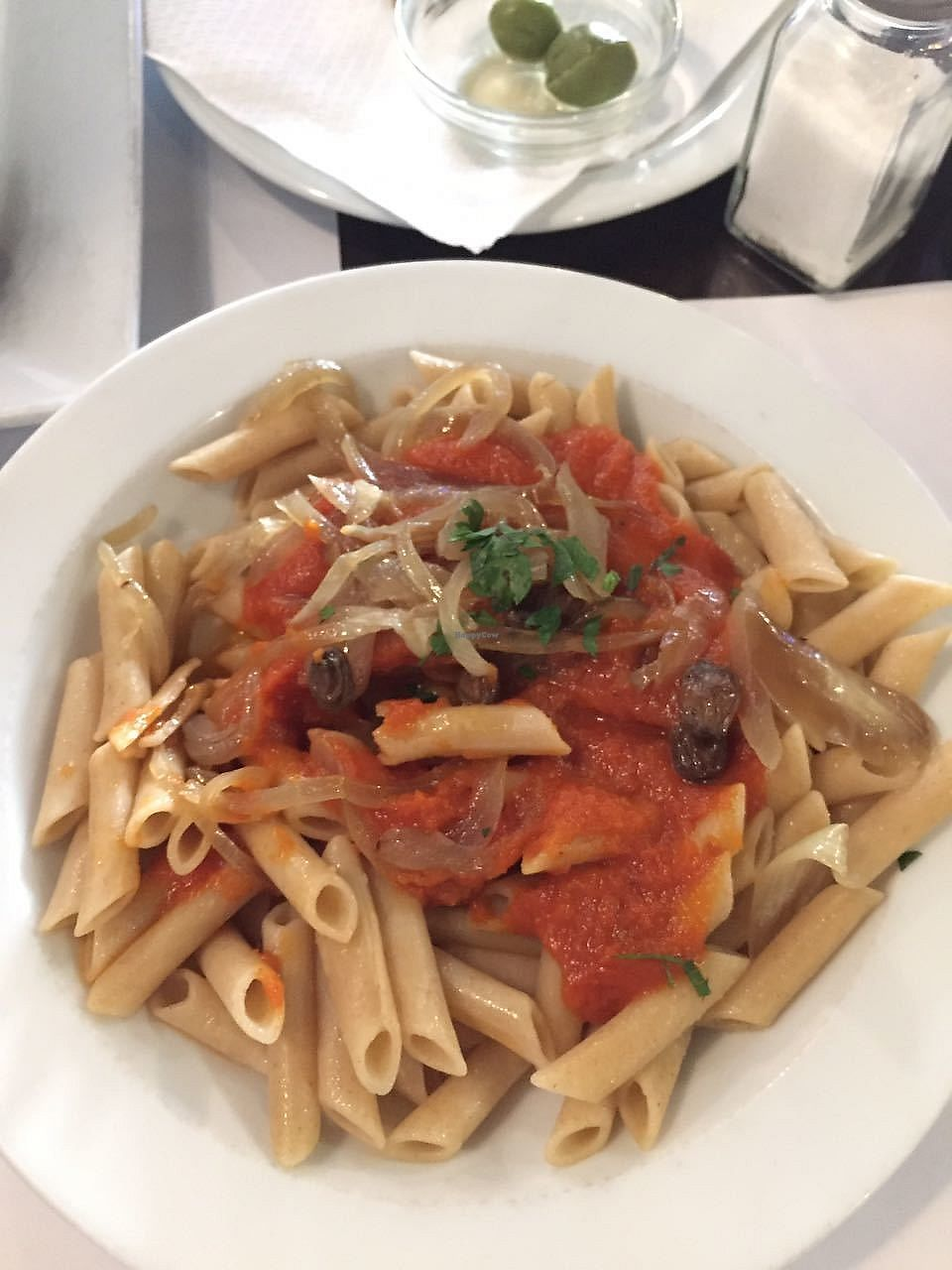 """Photo of Vegetariano El Calafate  by <a href=""""/members/profile/FlokiTheCat"""">FlokiTheCat</a> <br/>Pasta with tomato sauce and caramelized onions <br/> October 6, 2017  - <a href='/contact/abuse/image/25756/312333'>Report</a>"""
