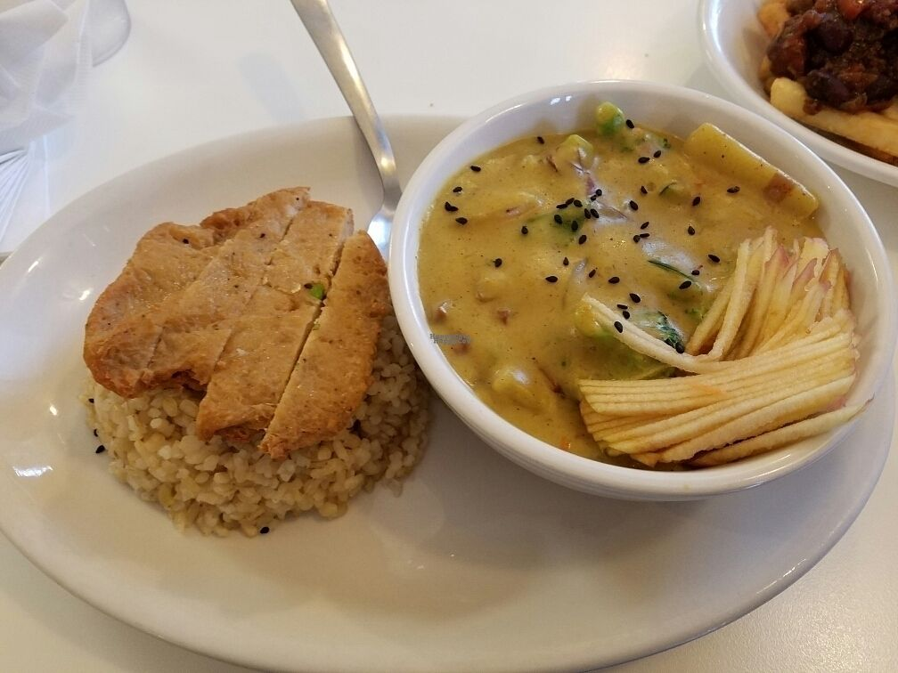 """Photo of Loving Hut - Reynoldsburg  by <a href=""""/members/profile/Silly%20Little%20Vegan"""">Silly Little Vegan</a> <br/>Thai Curry <br/> October 2, 2016  - <a href='/contact/abuse/image/25800/179156'>Report</a>"""