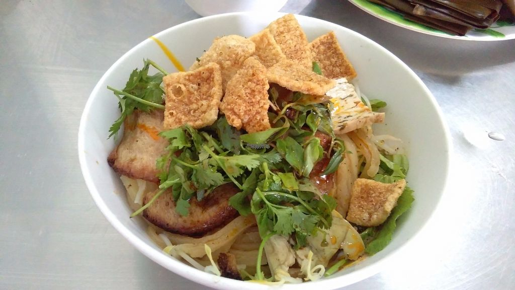 """Photo of Y Thien  by <a href=""""/members/profile/KPike"""">KPike</a> <br/>Cao Lau (famous Hoi An dish) <br/> October 8, 2016  - <a href='/contact/abuse/image/25867/180572'>Report</a>"""
