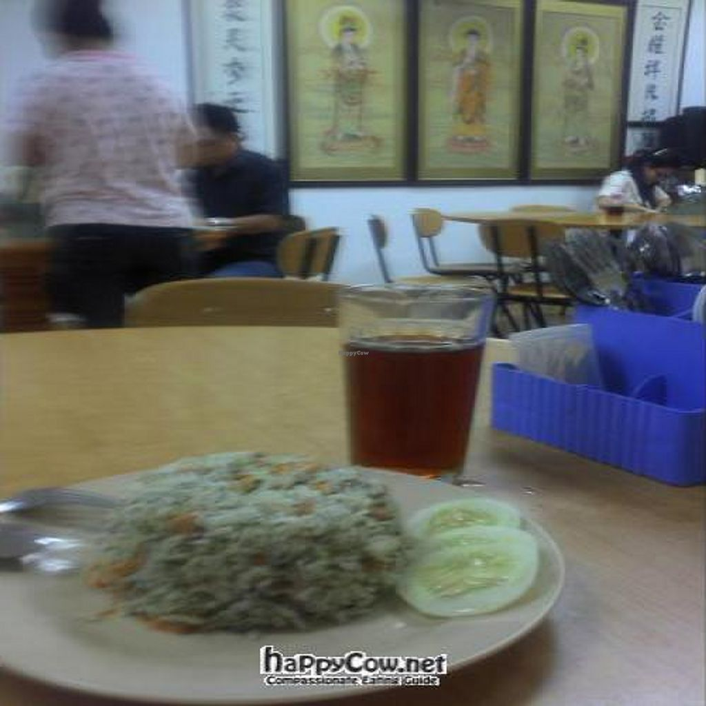 """Photo of CLOSED: Jinshan Vegetarian Restaurant  by <a href=""""/members/profile/Grapevine"""">Grapevine</a> <br/>SEAWEED FRIED RICE  <br/> November 15, 2011  - <a href='/contact/abuse/image/25994/12107'>Report</a>"""