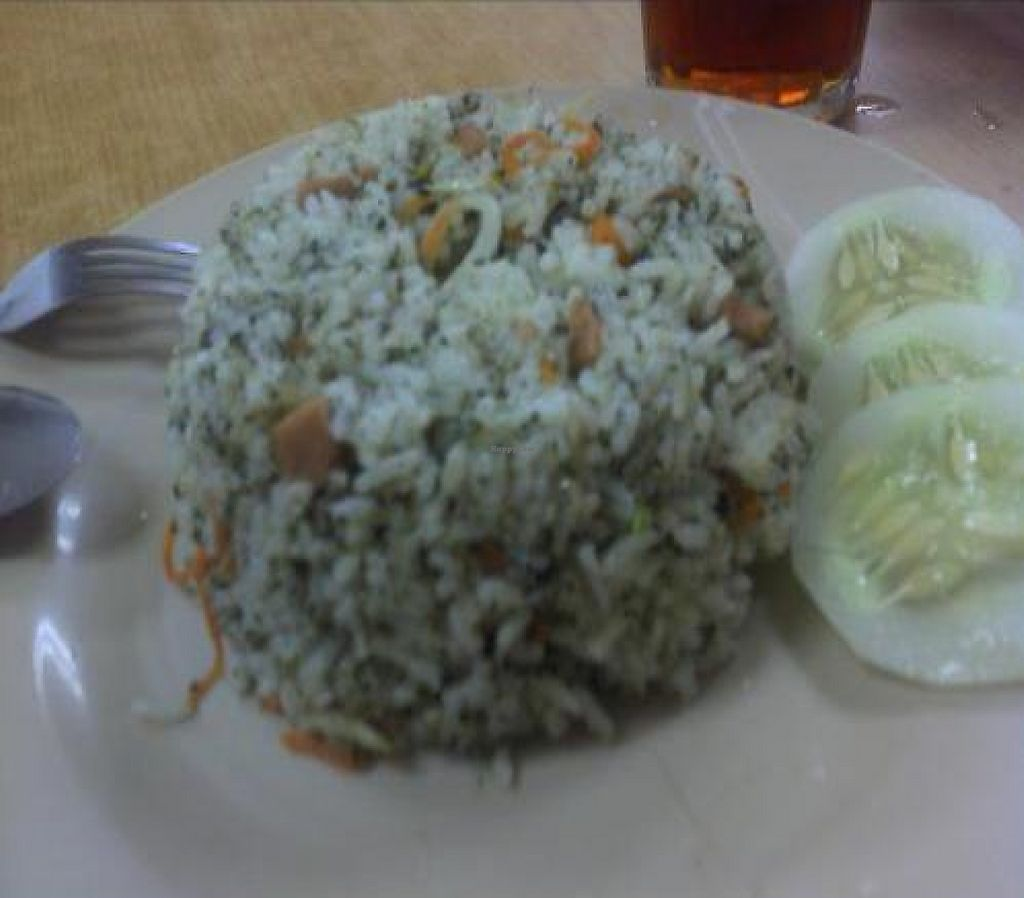 """Photo of CLOSED: Jinshan Vegetarian Restaurant  by <a href=""""/members/profile/Grapevine"""">Grapevine</a> <br/>SEAWEED FRIEND RICE -A BIT DISAPPOINTED,IT TASTED MORE LIKE HAM FRIEND RICE <br/> November 15, 2011  - <a href='/contact/abuse/image/25994/194145'>Report</a>"""