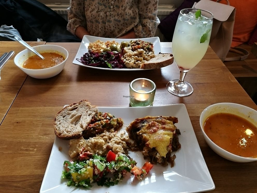 "Photo of En Deli Haga  by <a href=""/members/profile/HelenaAndersson"">HelenaAndersson</a> <br/>4 different dishes to chose between, hot and cold and soup+bread included <br/> June 7, 2017  - <a href='/contact/abuse/image/26034/266783'>Report</a>"