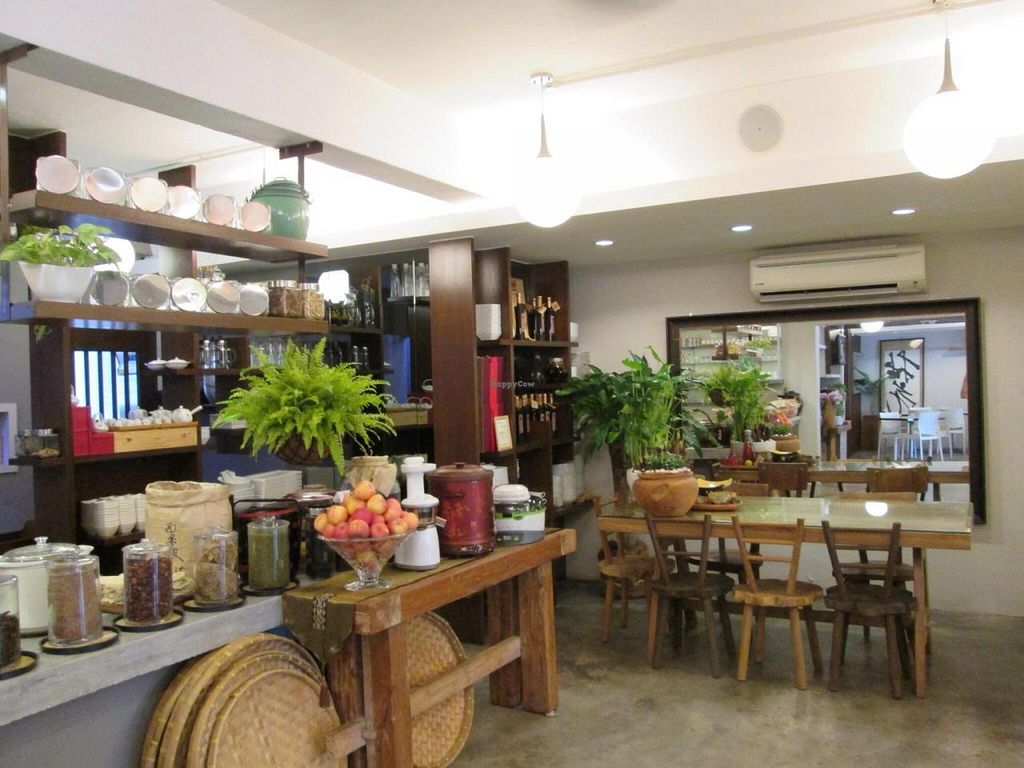 "Photo of Veggie Planet  by <a href=""/members/profile/Veganswife"">Veganswife</a> <br/>Lovely decor at Veggie Planet with a Zen ambience <br/> August 31, 2014  - <a href='/contact/abuse/image/26064/78742'>Report</a>"