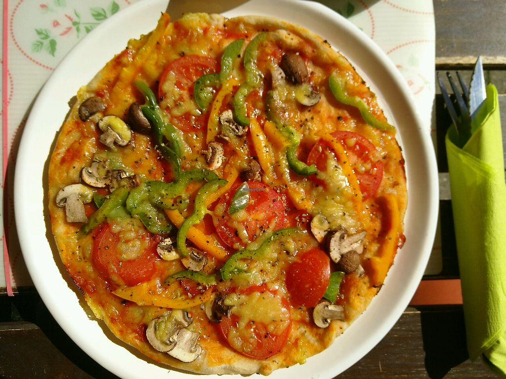 """Photo of Der kleine Vegetarier  by <a href=""""/members/profile/ChristianArleth"""">ChristianArleth</a> <br/>Vegan pizza <br/> May 6, 2018  - <a href='/contact/abuse/image/26176/396008'>Report</a>"""