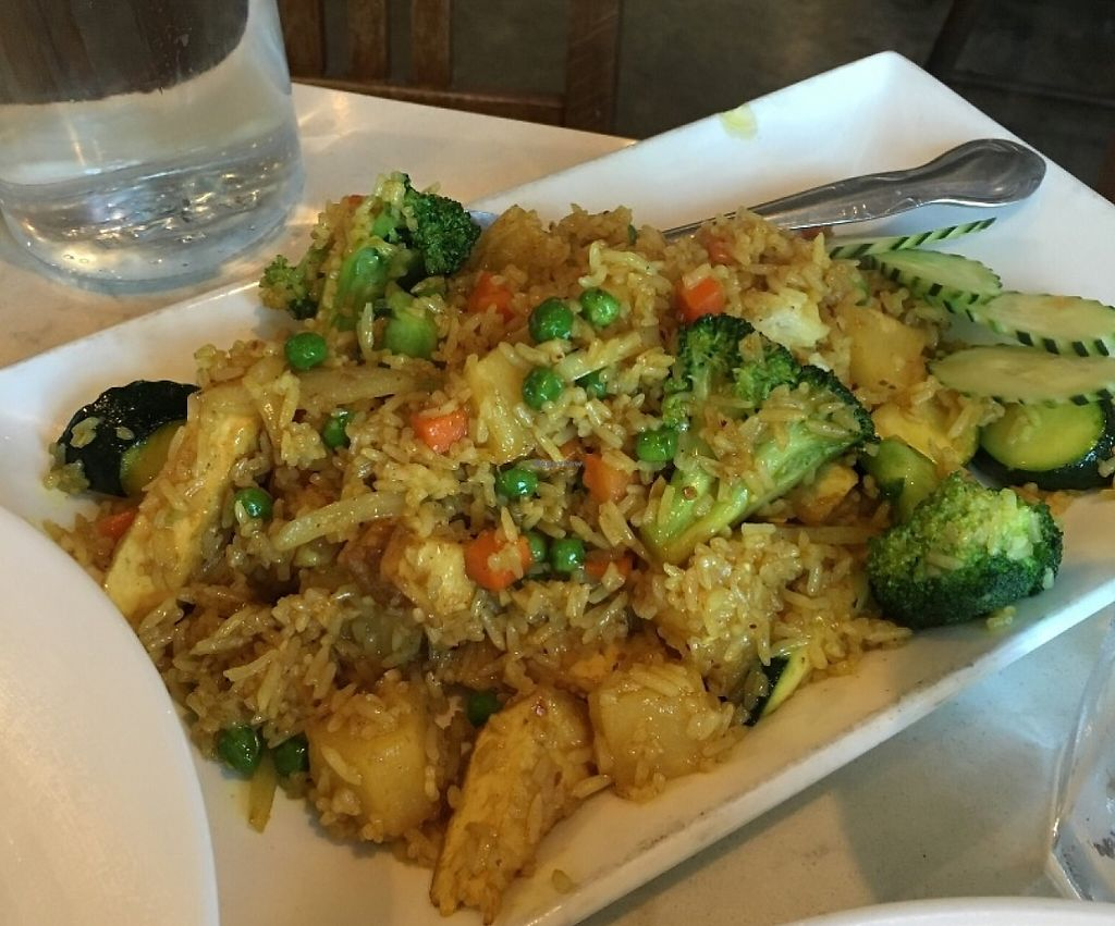 "Photo of Araya's Vegetarian Place  by <a href=""/members/profile/vegan%20frog"">vegan frog</a> <br/>Pineapple fried rice <br/> June 8, 2016  - <a href='/contact/abuse/image/2625/233334'>Report</a>"