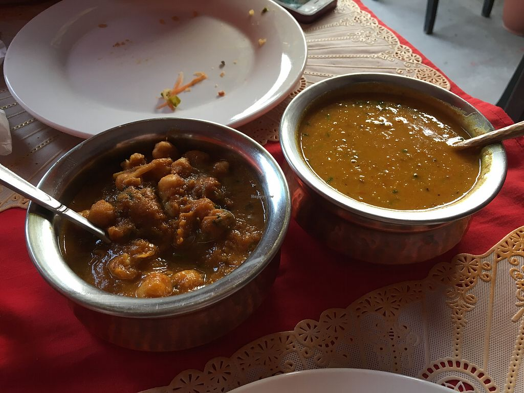 """Photo of Taj Mahal  by <a href=""""/members/profile/CamilaSilvaL"""">CamilaSilvaL</a> <br/>Chickpea curry and Dahl  <br/> February 6, 2018  - <a href='/contact/abuse/image/26296/355704'>Report</a>"""