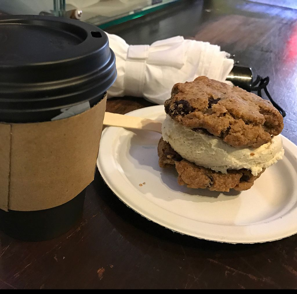 """Photo of CLOSED: Cookies and Scream - Camden Lock Market  by <a href=""""/members/profile/WillLarche"""">WillLarche</a> <br/>Ice cream and earl grey in the mist <br/> January 15, 2017  - <a href='/contact/abuse/image/26297/212150'>Report</a>"""