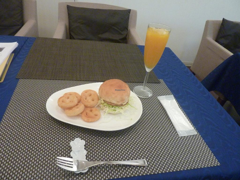 """Photo of ORIBIO Cafe Dining  by <a href=""""/members/profile/necius"""">necius</a> <br/>'Fish' burger at ORIBIO <br/> March 24, 2015  - <a href='/contact/abuse/image/26302/96815'>Report</a>"""