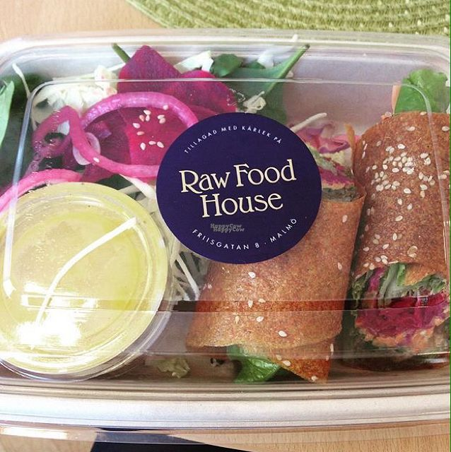 "Photo of Raw Food House  by <a href=""/members/profile/AimingGreen"">AimingGreen</a> <br/>Lunch Box to go!  <br/> September 19, 2016  - <a href='/contact/abuse/image/26324/176768'>Report</a>"