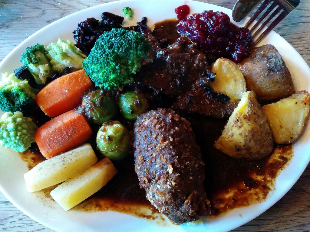 """Photo of The Railway Hotel  by <a href=""""/members/profile/CLRtraveller"""">CLRtraveller</a> <br/>nut-roast meal <br/> January 10, 2018  - <a href='/contact/abuse/image/26414/345066'>Report</a>"""