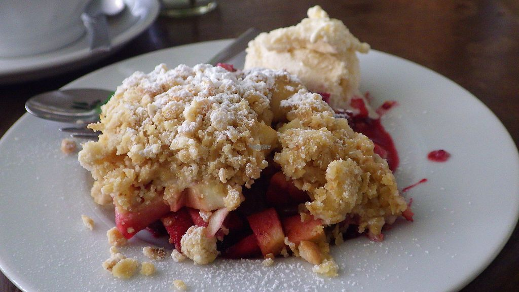 """Photo of Die Rebellion des Zimtsterns  by <a href=""""/members/profile/deadpledge"""">deadpledge</a> <br/>Vegan apple and berry crumble with ice cream <br/> April 20, 2017  - <a href='/contact/abuse/image/26427/250286'>Report</a>"""