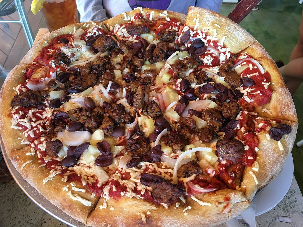 """Photo of Mellow Mushroom  by <a href=""""/members/profile/TraciH"""">TraciH</a> <br/>Vegan Pizza with Marinated Tempeh, Pineapple, and Onion <br/> November 13, 2017  - <a href='/contact/abuse/image/26473/325359'>Report</a>"""
