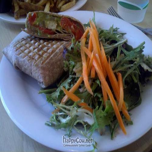 """Photo of CLOSED: Bernie's L.A. Cafe  by <a href=""""/members/profile/SynthVegan"""">SynthVegan</a> <br/> May 24, 2011  - <a href='/contact/abuse/image/26659/8767'>Report</a>"""