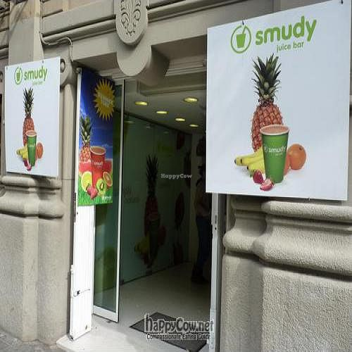 "Photo of CLOSED: Smudy Juice Bar - Rambla Cataluna  by <a href=""/members/profile/Nihacc"">Nihacc</a> <br/> May 20, 2011  - <a href='/contact/abuse/image/26745/8709'>Report</a>"