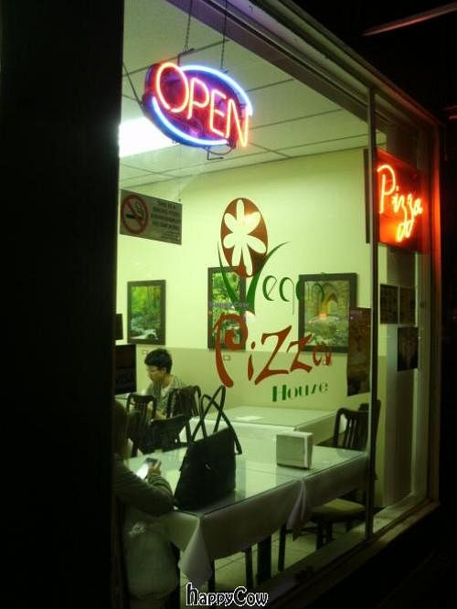"Photo of Vegan Pizza House  by <a href=""/members/profile/scocasso"">scocasso</a> <br/>Store Front <br/> December 1, 2012  - <a href='/contact/abuse/image/26759/40979'>Report</a>"
